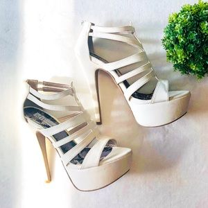 ✨Cream Strappy Heels